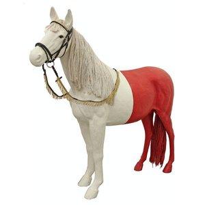Paard wit roze achterzijde