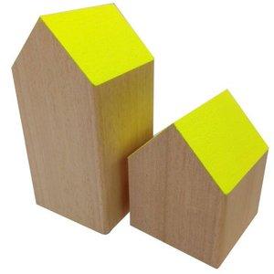 huisje massief hout ca 7 x 7 x 14cm hoog geel