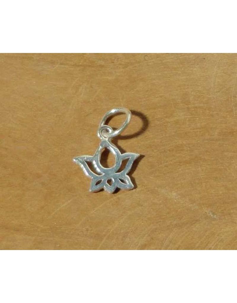 Shanti hanger lotus