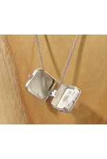 Keepsake locket square garnet