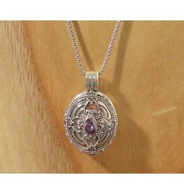 Keepsake locket oval amethyst
