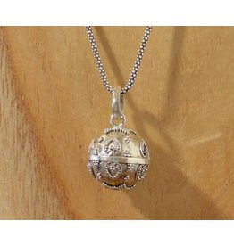 Pregnancy pendant heart