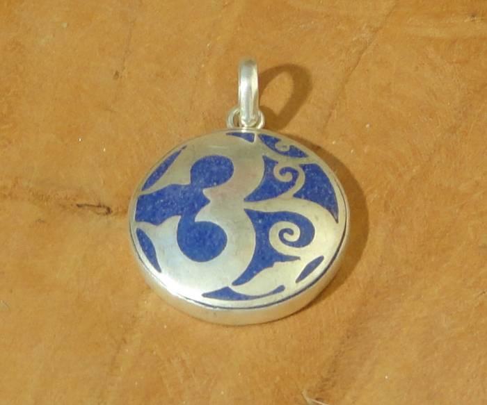 Dakini Tibetan pendant Ohm blue