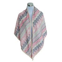 Triangle Scarf (812648)