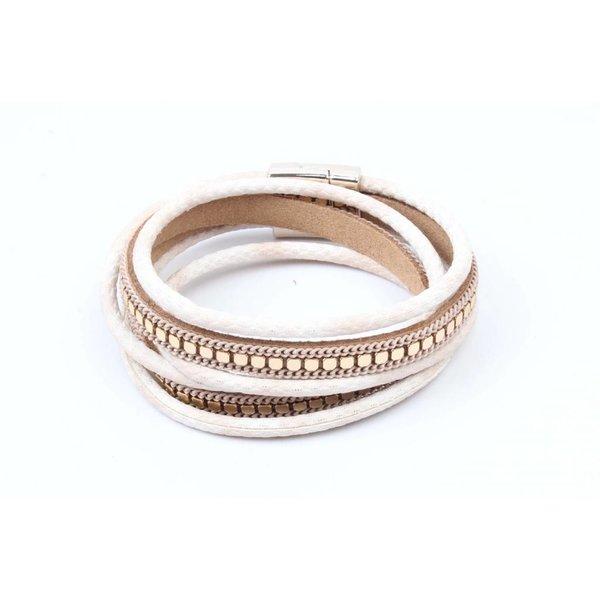 Wikkel armband met gouden studs  beige