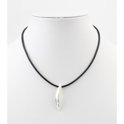 Kurze Leder Halskette mit Metal Drop schwarz