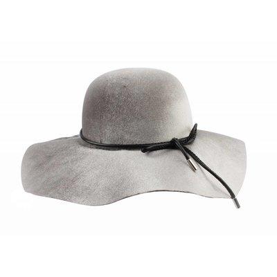 "Flap hat ""Bow"" grey"