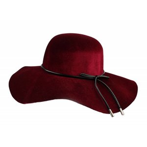 """Flap hat """"Bow"""" Red"""