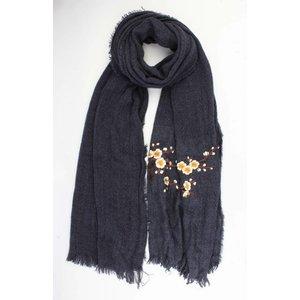 "Scarf ""Embroidered Japanese rosés"" blue"