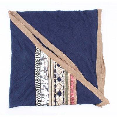 """Dreieck Schal """"Stickerei"""" blau"""