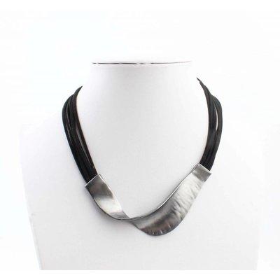 """Kürze Halskette """"Welle"""" schwarz"""