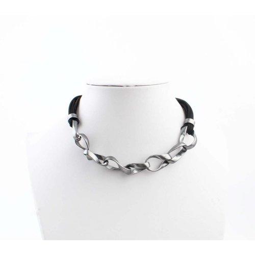 """Halskette """"Geschaltet Links"""" schwarz"""