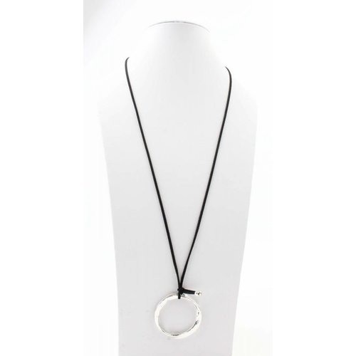 """Halskette """"Twisted Ring"""" schwarz"""