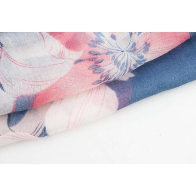 """Sjaal """"Spring flowers"""" blauw"""
