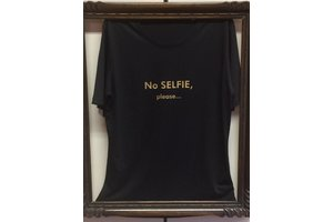 "T-shirt ""No Selfie please..."""