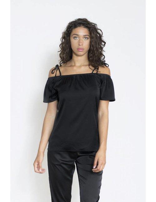 Jacky Luxury Off-shoulder top