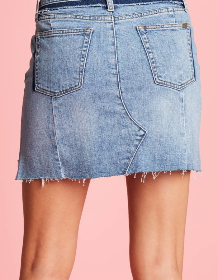 Denim rok met gerafelde details