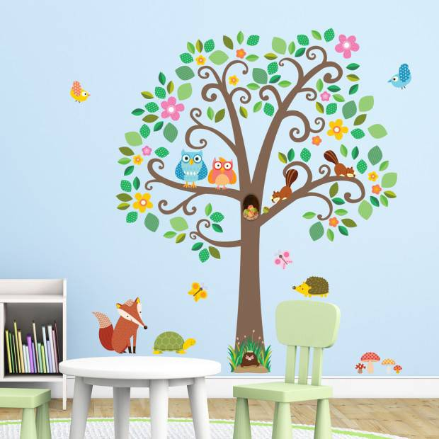 Decowall muursticker boom scroll tree met bosdiertjes - Deco kinderkamer ...