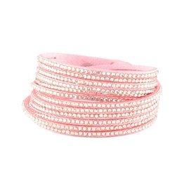 Armband imitatie suede roze met strass steentjes