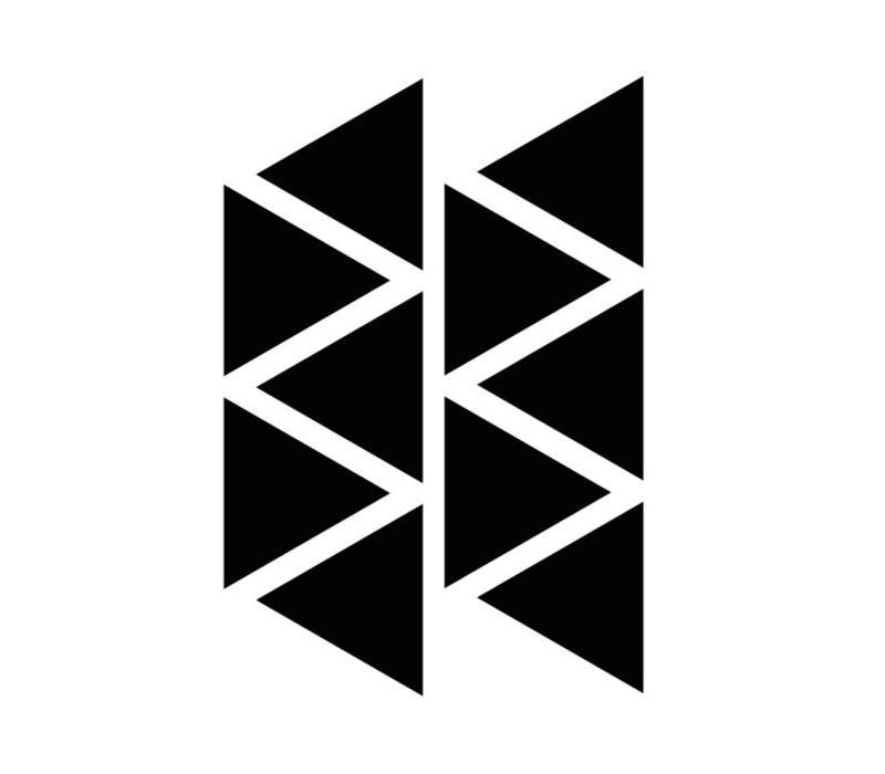 Mevrouw Aardbei 10 muurstickers driehoek 8 cm
