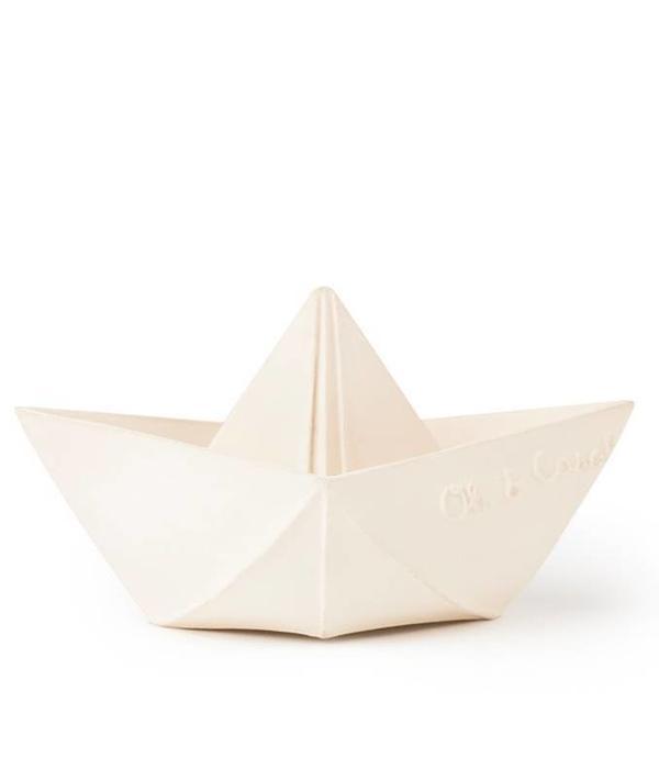 Oli & Carol bathspeed boat white