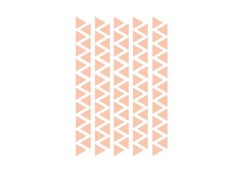 Mevrouw Aardbei 95 muurstickers driehoek 2,2 cm - oud roze