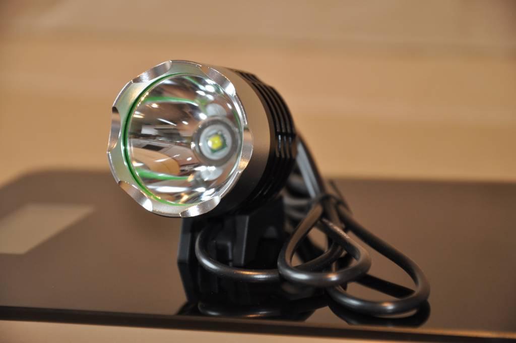 das kleine kraftpaket 1800 lumen fahrradlampe. Black Bedroom Furniture Sets. Home Design Ideas