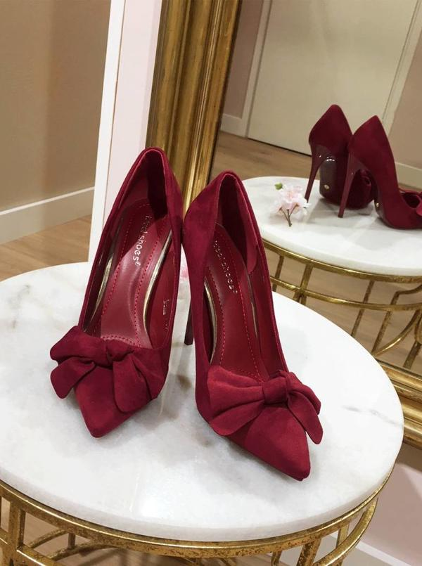 Bordeaux bow pumps