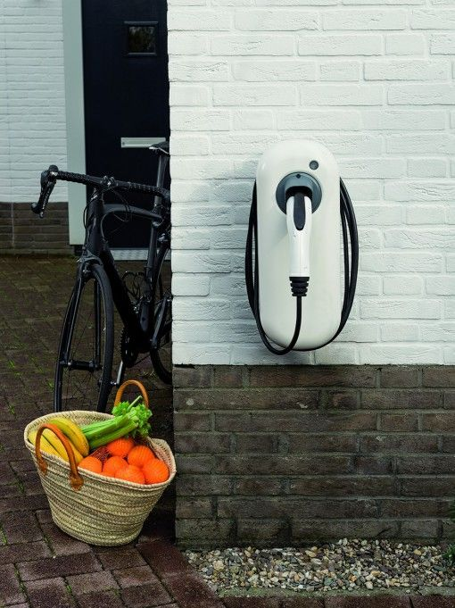 The New Motion lolo 22kW Charging-Station with cable