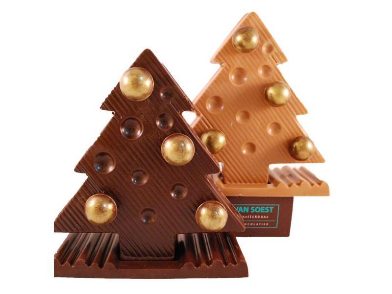 CHRISTMAS TREE WITH BALLS