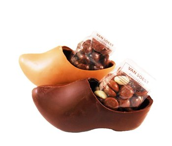 CHOCOLATE WOODEN SHOE WITH DUTCH TRADITIONAL CHOCOLATE COOKIES