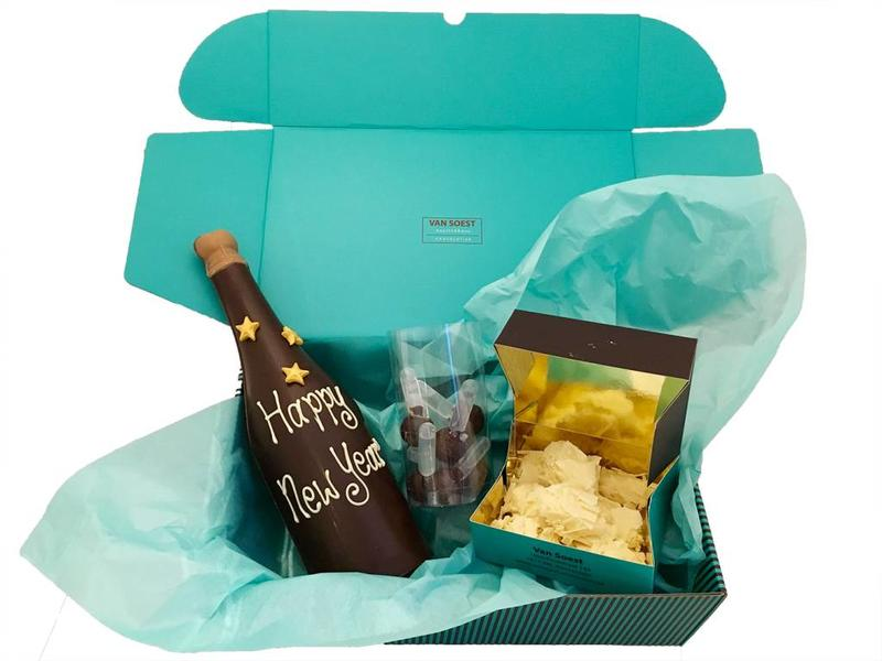 NEW YEARS GIFT BOX