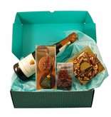 CHOCOLATE CHRISTMAS BOX WITH A BOTTLE OF BRACHETTO