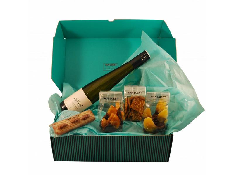 CHOCOLATE CHRISTMAS BOX WITH NIGL EISWEIN - DELUXE