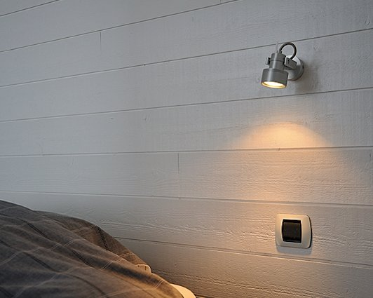 wandlampen vele kleuren en stijlen. Black Bedroom Furniture Sets. Home Design Ideas