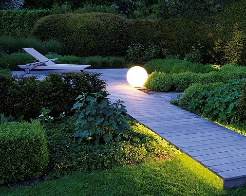 Tuinverlichting design en landelijk - Buitenverlichting design tuin ...