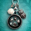 Clip on charms Uil dangle