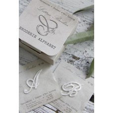 Jeanne d'Arc Living Letters in embroidedery in small box