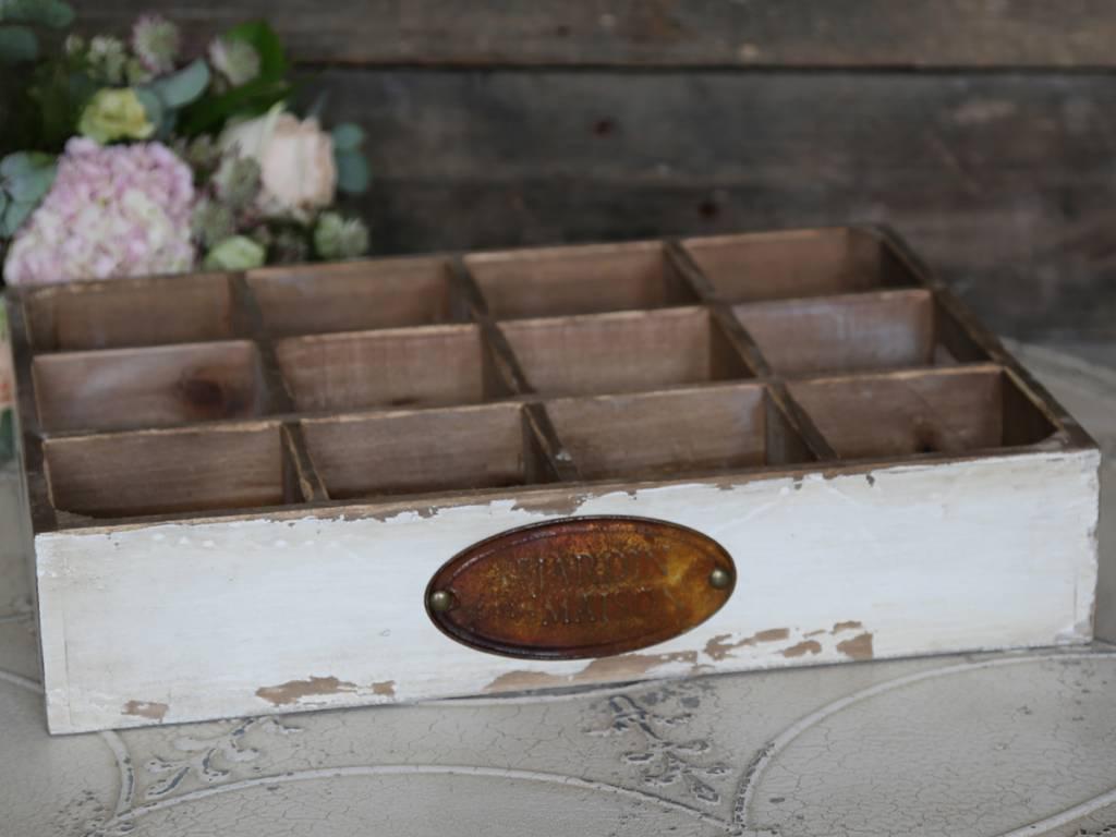 holzkasten mit 12 f chern in antique wei von chic antique das kleine dachst bchen das kleine. Black Bedroom Furniture Sets. Home Design Ideas