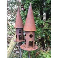 Vogelhaus auf Stab