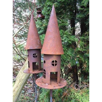 Vogelhaus auf Stab, rost