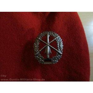 MFH BW toque badge, army air defense, metal