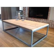 PURE Wood Design 'Svelvik' industriële salontafel steigerhout/stalen onderstel gesloten