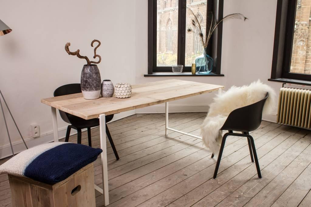 pure wood design industri le tafel steigerhout zwevend blad stalen frame nordic living. Black Bedroom Furniture Sets. Home Design Ideas