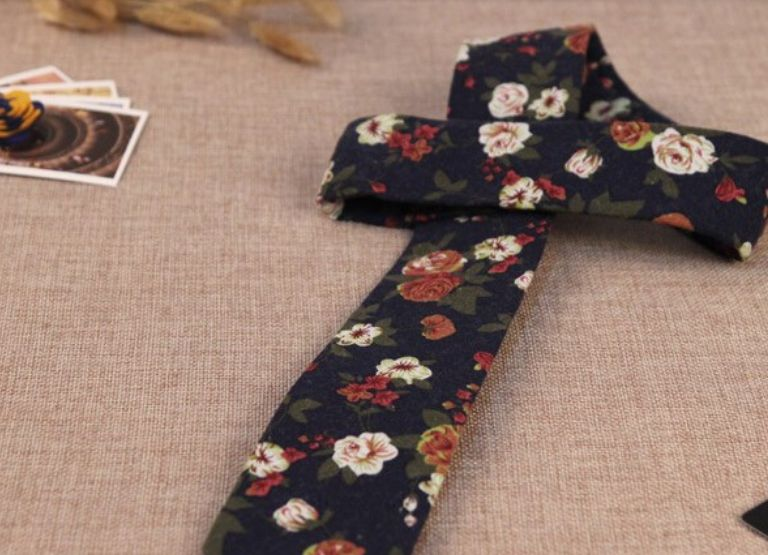 Floral Tie Navy Blue