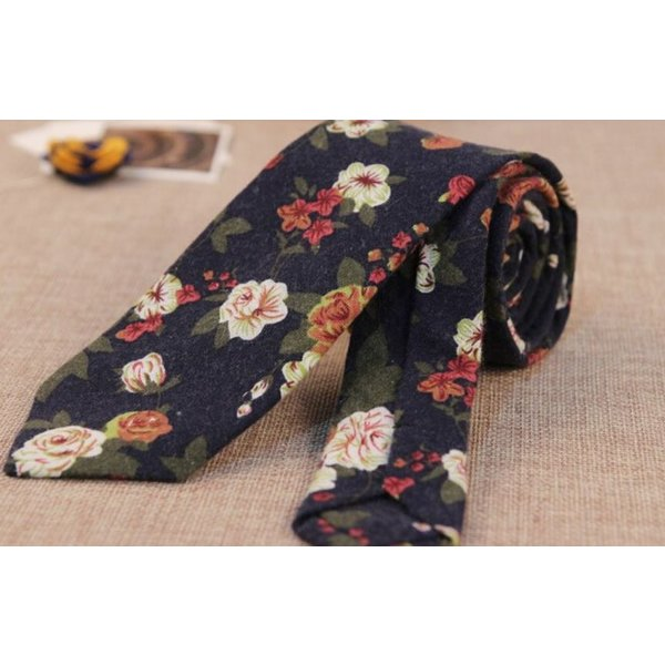 Floral Tie Navy Blue in het