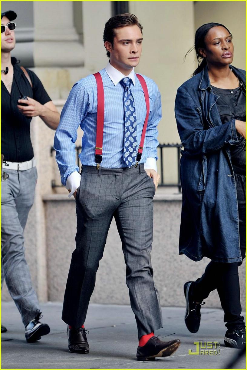 Bretels onder pak met bijpassende sokken