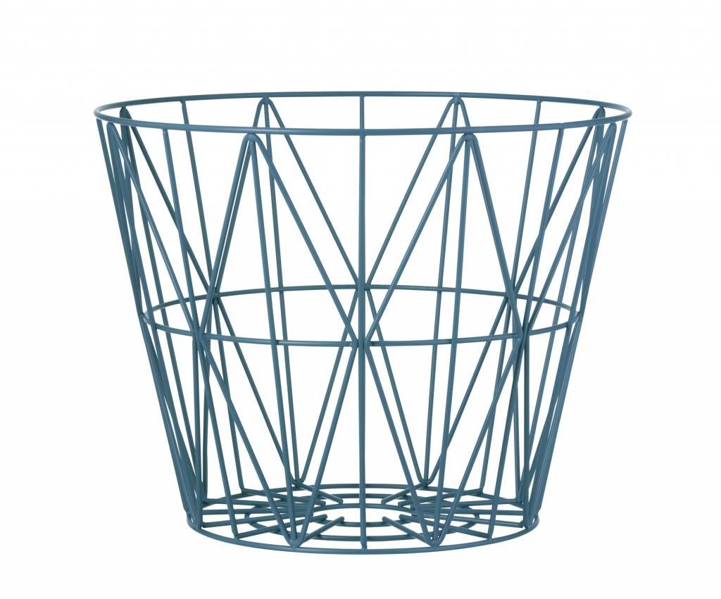 wire basket blauw bekijk alle ferm living wire baskets. Black Bedroom Furniture Sets. Home Design Ideas