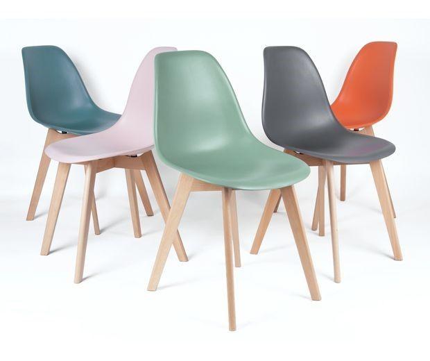 kleurrijke elementery eetkamerstoelen van het merk leitmotiv