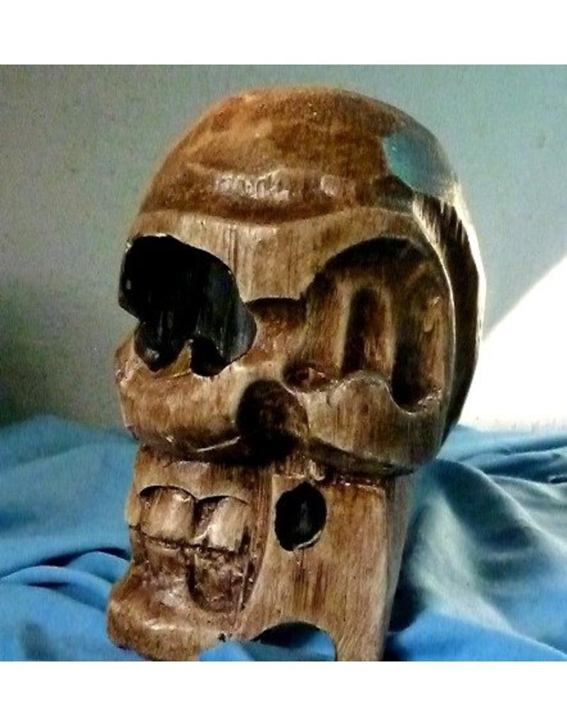 Totenkopf-Kerzenständer